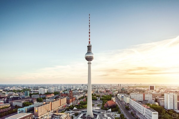 Berlin Fernsehturm - Der Himmel über Berlin