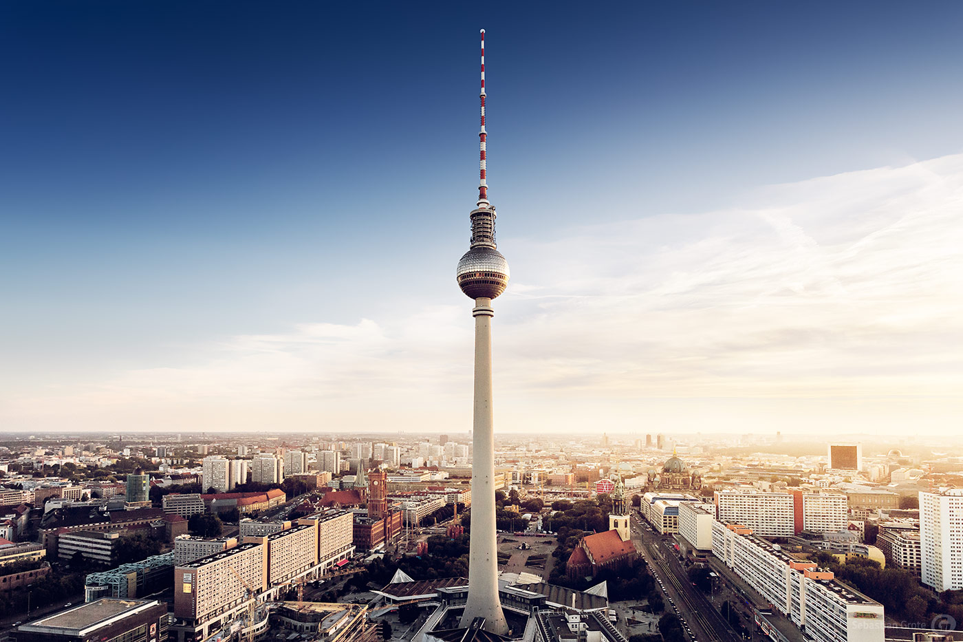 berliner fernsehturm in berlin related keywords berliner fernsehturm in berlin long tail. Black Bedroom Furniture Sets. Home Design Ideas