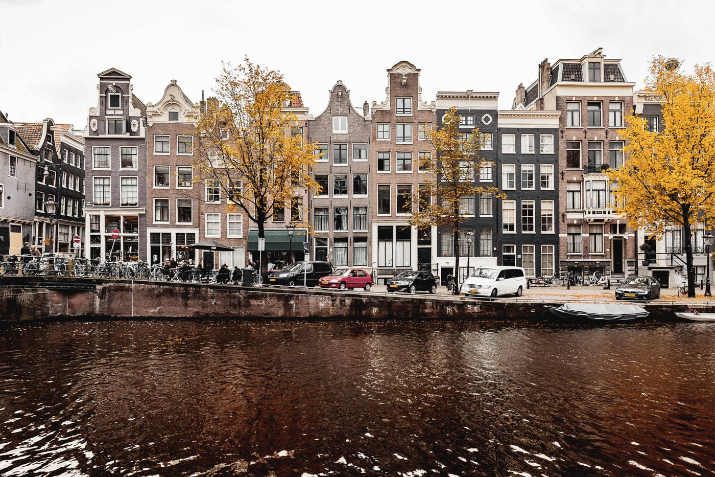 Singel Gracht in Amsterdam, Niederlande, Herbst in Holland