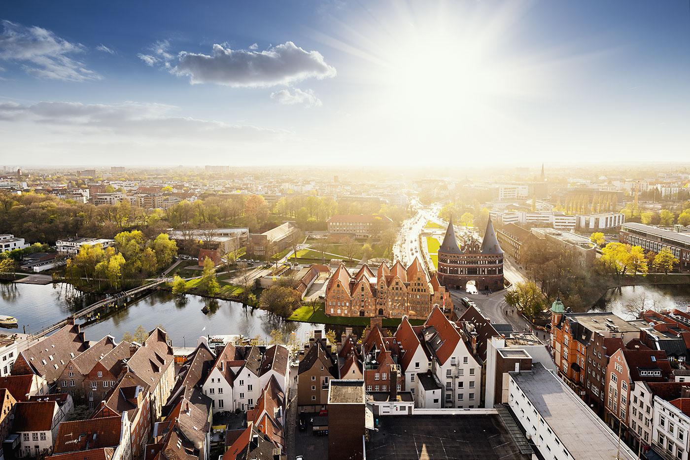 Lübeck an der Ostsee mit Altstadt und Holstentor