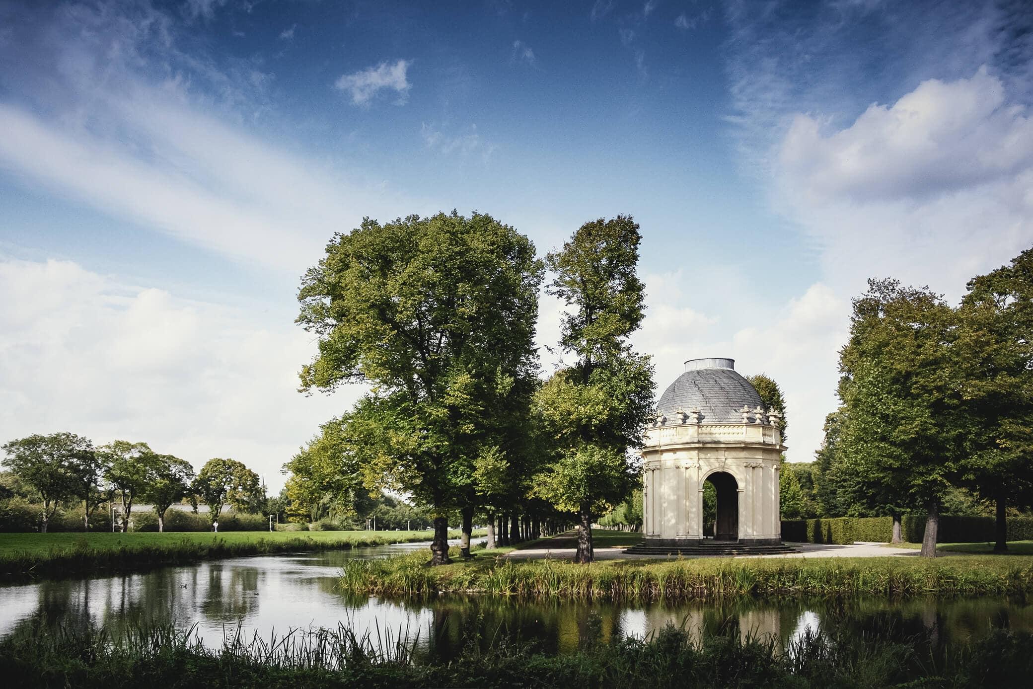 Remy-de-la Fosse Tempel an den Graften in den Herrenhäuser Gärten Hannover - Grüne Stadt Hannover