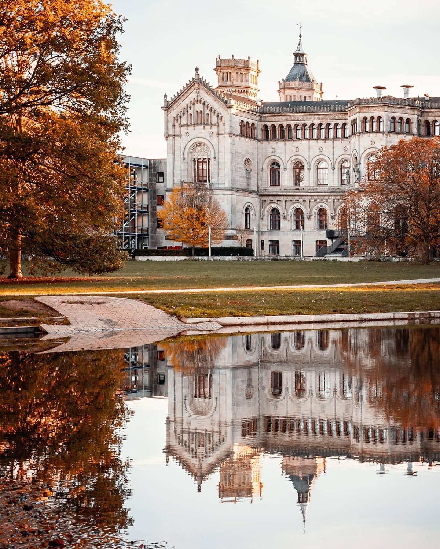 Leibnizuniversität Hannover im Herbst