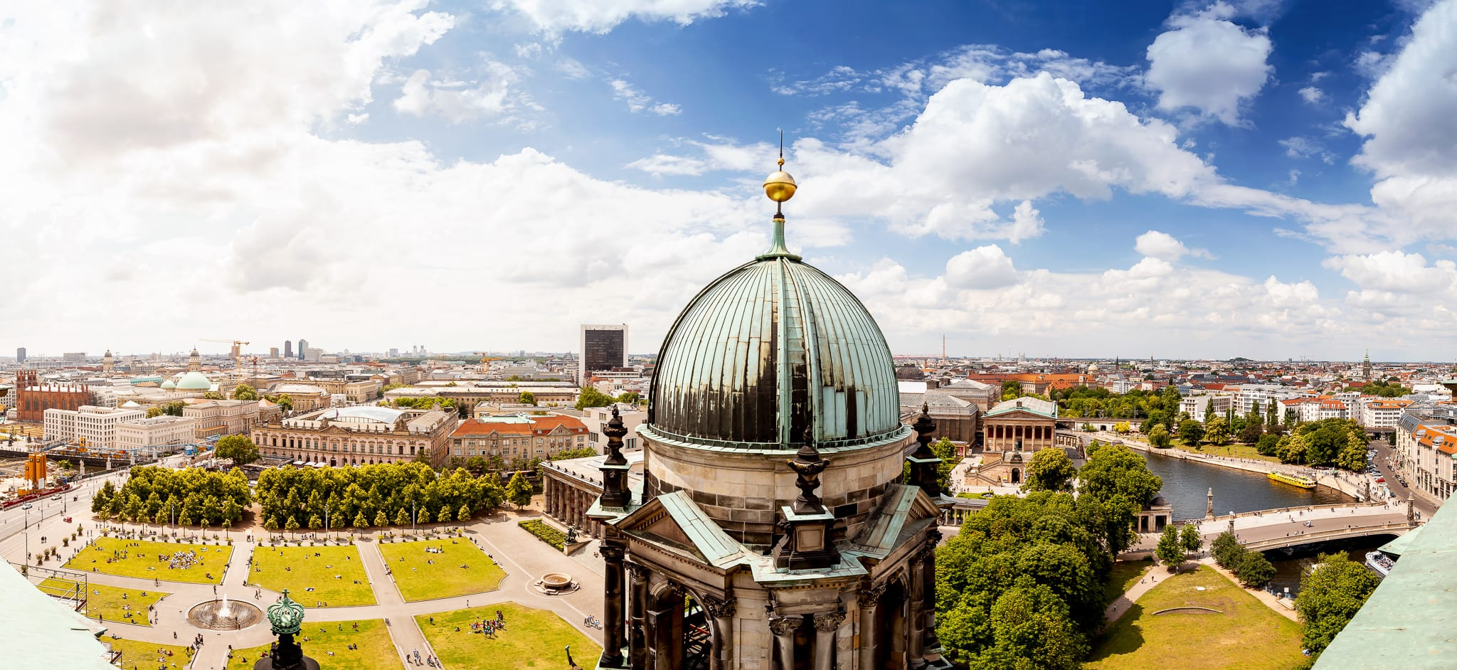Museumsinsel Berlin an der Spree, Blick vom Berliner Dom auf die Innenstadt
