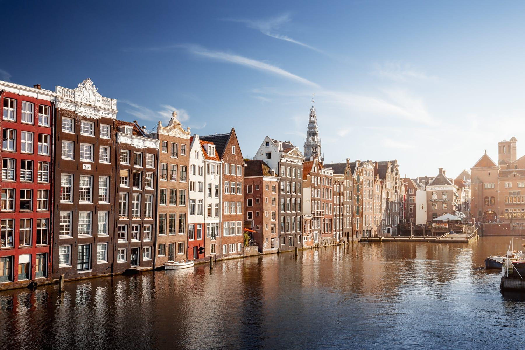 Häuser am Damrak in Amsterdam, Niederlande